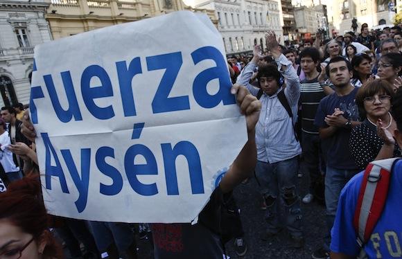 Manifestación en Santiago de Chile de apoyo a los pobladores de Aysén. Foto: Roberto Candia.