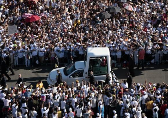 La Plaza de la Revolución a la llegada del Santo Padre. Foto: Ismael Francisco/ Cuba