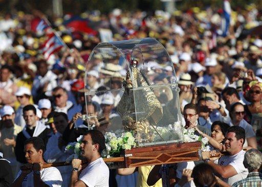 La Plaza de la Revolución desbordada. Foto: AP