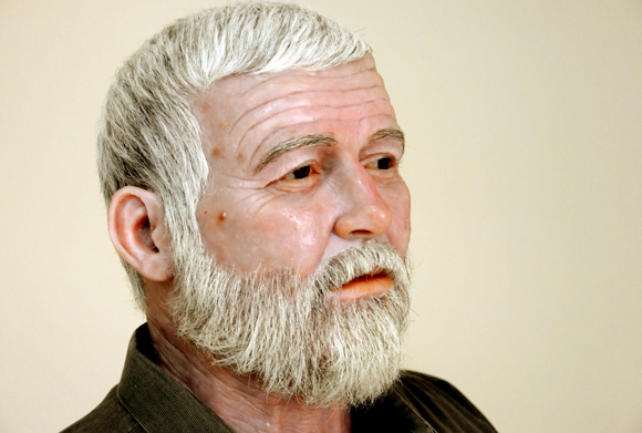 Figura del escritor norteamericano Ernest Hemingway. Foto: Ismael Francisco/Cubadebate.