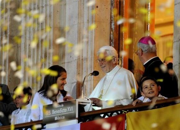 El Papa se reúne con miles de niños en la ciudad de Guanajuato