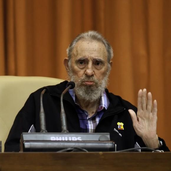 Fidel Castro en el encuentro con integrantes del Crucero de la paz. Foto: Roberto Chile