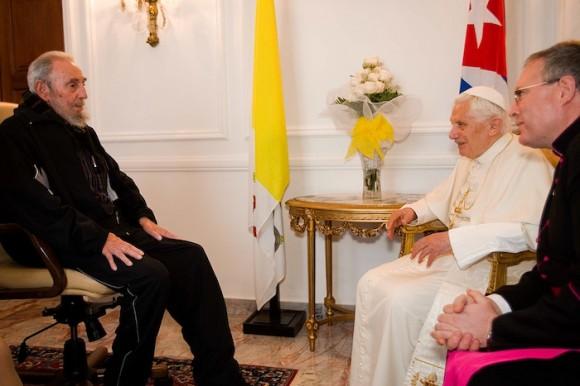 Encuentro entre Fidel Castro y Benedicto XVI en La Habana, el 28 de marzo de 2012. Foto: Alex Castro/ Cubadebate