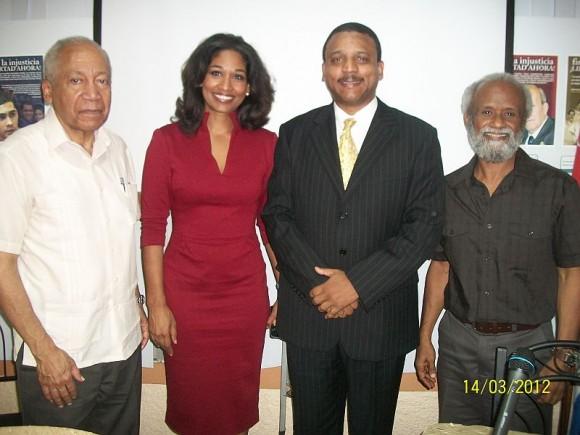 La Sra. Lisa Hanna, Ministra de Cultura y Juventud de Jamaica, junto al embajador cubano Yuri Gala.