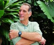 René González, uno de los Cinco Héroes, que está en Cuba por dos semanas con un permiso para ver a su hermano enfermo. René permaneció por más de 13 años preso en la Florida y cumple una sanción adicional, de tres años bajo régimen de libertad condicional. Estas fotos las tomó Bill Hackwell al final de la gira de La Colmenita, a Estados Unidos, en octubre de 2011.