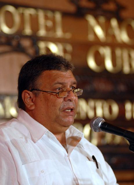 Marino Murillo en Conferencia de Prensa en La Habana. Foto: Calixto Llanes via @calixtollanes
