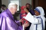 """la religiosa india Teresa Kerketta, que siguiendo la práctica de su congregación, hace 20 años recibió la tarea de orar diariamente por un sacerdote específico, convirtiéndose así en su """"madrina espiritual"""". El sacerdote que recibió bajo tutela espiritual fue el Cardenal Joseph Ratzinger."""