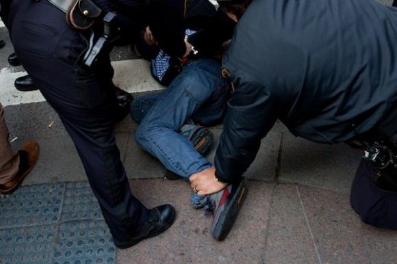 Arrestados en Zuccotti Park hoy. Foto: AP