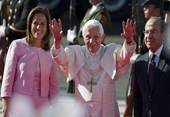 """Vengo como peregrino de la fe, la esperanza y la caridad para los creyentes"""", aseguró el pontifice. Foto: AFP"""