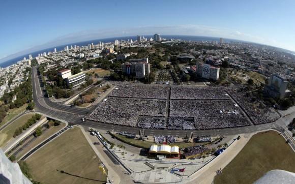 La Plaza de la Revolución durante la Misa de Benedicto XVI. Foto: Ismael Francisco/ Cubadebate