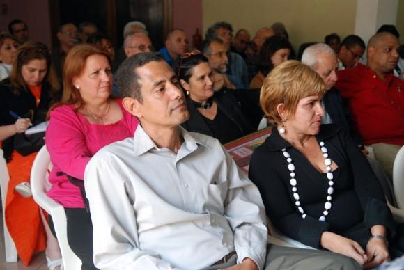 """Premio a la dignidad para """"La luz en lo oscuro"""". Foto: Raúl Pupo"""