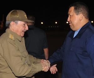 Raul y Chavez en La Habana