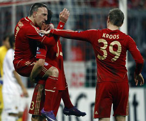 Un exultante Ribery celebra uno de los goles del Bayern. Foto: Reuters.