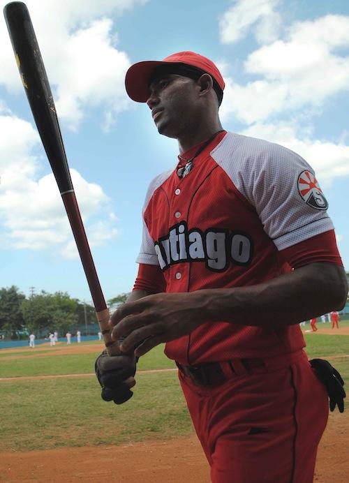 Edilse Silva, aún con problemas en una pierna y casi sin correr, se mantiene firme en la alineación. Foto: Ricardo López Hevia