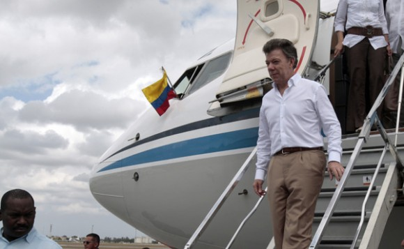 El Presidente de Colombia José Manuel Santos llega a La Habana. Foto: Ismael Francisco