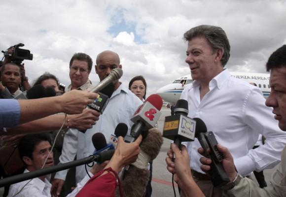 En breve intercambio con la prensa, Santos Calderón confirmó que se reunirá con los Presidentes de Cuba, Raúl Castro Ruz, y de Venezuela, Hugo Chávez Frías.