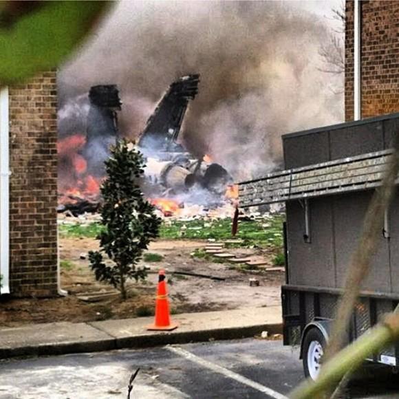 Avión militar se estrella en Virginia