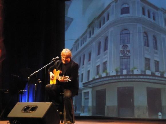 Concierto de Amaury Pérez en el Teatro Principal de Caracas. Foto: Mabel Pérez Guió/ Cubadebate