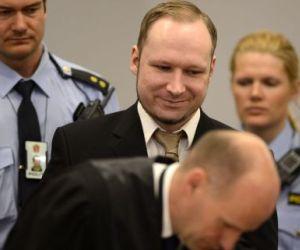 Breivik se disculpa por tener entre sus víctimas personas sin afiliación política