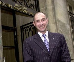 El director del Instituto de Estudios Políticos de París --conocido como 'Sciences Po'-- y miembro del Consejo de Estado de Francia, Richard Descoings. Foto: AP