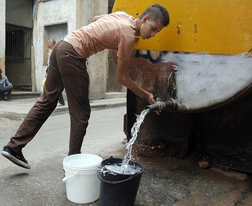 """La Habana es la provincia que padece el déficit hídrico """"más preocupante"""" actualmente en Cuba, según especialistas del Instituto Nacional de Recursos Hidráulicos (INRH)."""