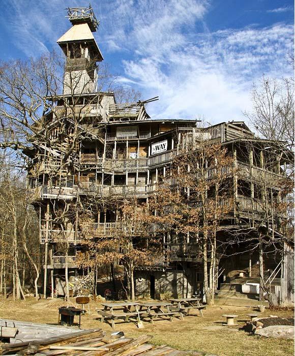 Una casa curiosa, cuya construcción duró 11 años