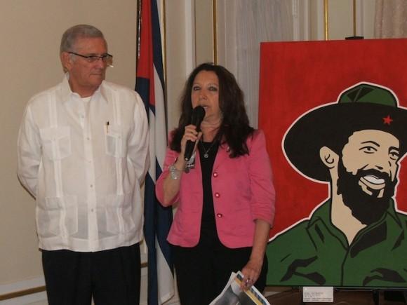 Jorge Bolaños, Jefe de la Sección de Intereses de Cuba en Washington, y Alica Jrapko, coordinadora del Comité Internacional por la Liberación de los Cinco Cubanos.