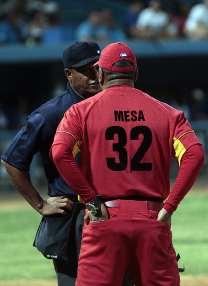 La polémica es algo inevitable en el Beisbol. Foto: Ismael Francisco/Cubadebate