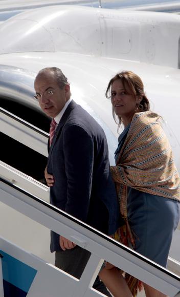 Se despide de Cuba, Felipe Calderón, presidente de México, en el Aeropuerto Internacional José Martí. Foto: Ismael Francisco/Cubadebate