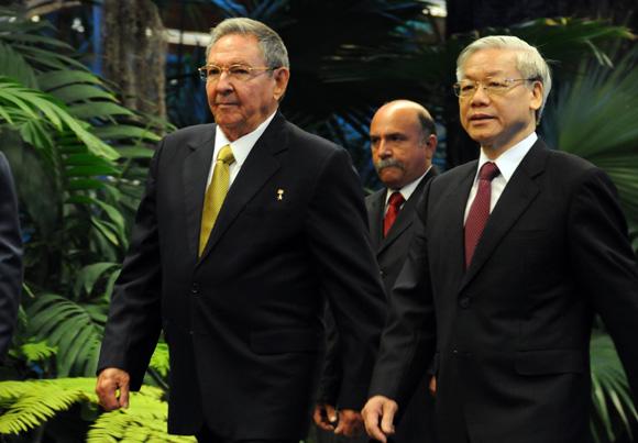 Recibe Raúl Castro, presidente cubano a Nguyen Phu Trong Secretario Genral del Comité Central del Partido Comunista de Vietnam,  Foto: Ismael Francisco/Cubadebate
