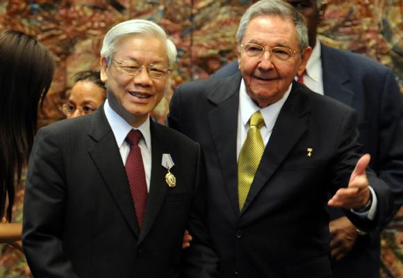 Recibe Raúl Castro, presidente cubano a Nguyen Phu Trong Secretario Genral del Comité Central del Partido Comunista de Vietnam. Foto: Ismael Francisco/Cubadebate