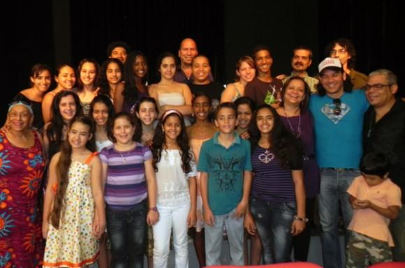 Coro Diminuto al concluir presentación del disco. Foto: Marianela Dufflar/Cubadebate