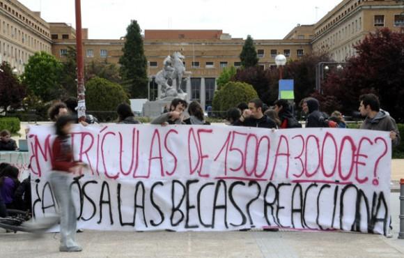 Estudiantes españoles se manifiestan