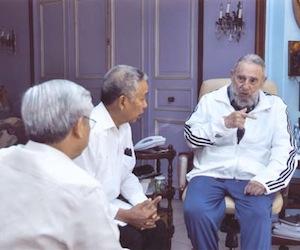 Fidel Castro y Nguyen Phu Trong, Secretario General del Comité  Central del Partido Comunista de Vietnam.