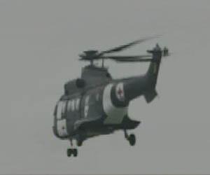 Helicóptero parte en busca de prisioneros que serán liberados