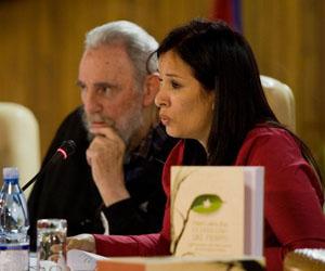 Fidel y Katiuska Blanco, durante la presentación del libro en La Habana.