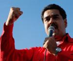 """El Canciller de la República de Venezuela Nicolás Maduro Moros, ofreció un discurso durante el acto en el que se conmemoran 10 años, en el que señaló que un día como hoy se le vio la cara a la derecha contrapatria, que tenemos, """"el Alcalde fascista (Henrique Capriles Radonski) minutos antes de atacar la embajada de Cuba, participó en el secuesto de Rodríguez Chacín, en su residencia. Foto: Noticias 365"""