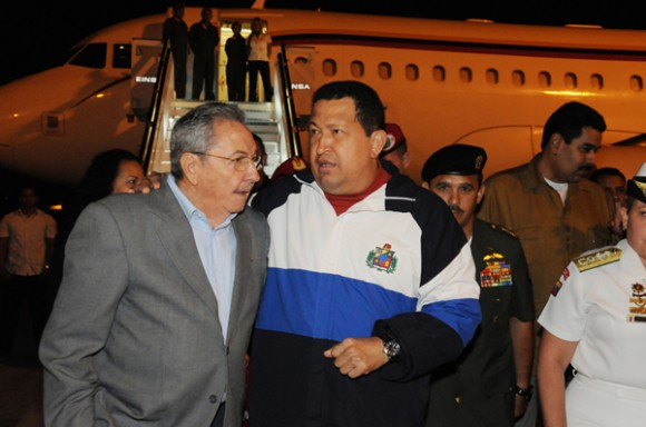 Recibió Raúl a Chávez. Foto: Estudios Revolución