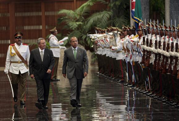 Recibimiento Oficial de Raúl Castro presidente de cubano, a su homólogo de Mexico Felipe Calderón. Foto: Ismael Francisco/Cubadebate