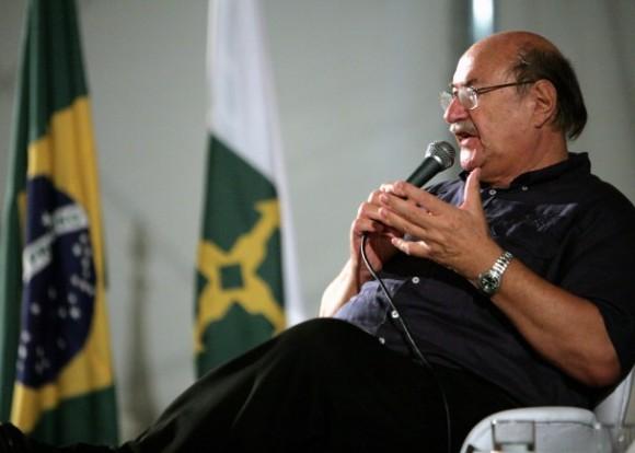Antonio Skármeta en la 1a. Bienal del Libro y la Lectura de Brasilia