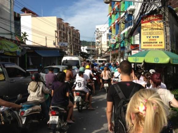 En medio de la evacuación por la alerta de Tsunami. Foto: @jackbakerrr via Twitter