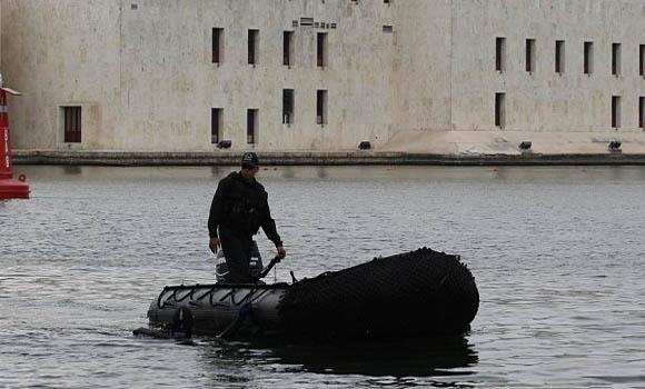 El aparataje de seguridad incluyó vigilancia submarina