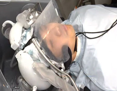 Robot que lava el pelo, lo seca y, además, hace masajes