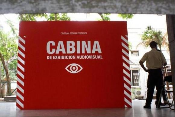 Cabina de exhibición audiovisual, de Cristian Segura