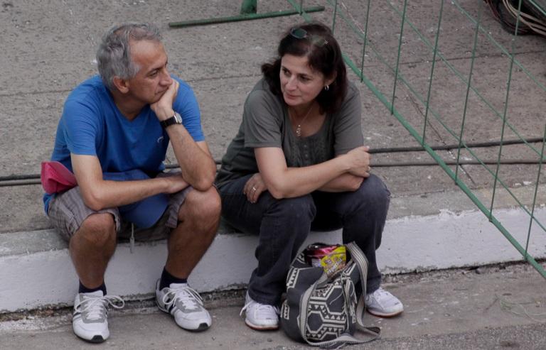 Ángela María y su esposo, colombianos. Un concierto los trajo hasta aquí
