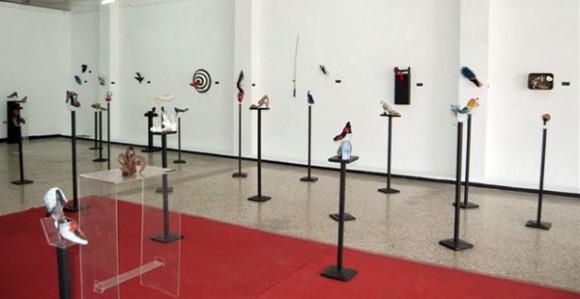 Se exponen piezas de Flora Fong, Nelson Domínguez y Lesbia Vent Dumois, entre un centenar de artistas. Foto: La Jiribilla