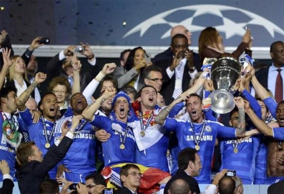 Celebración del Chelsea al ganar finalmente la Copa de Europa. Foto: AFP