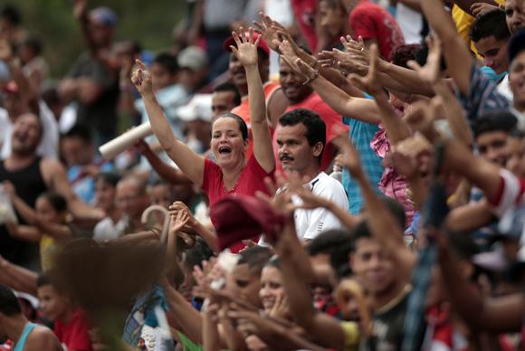 Los aficionados granmenses siempre dieron aliento a su equipo.  Foto: Ismael Francisco/Cubadebate.