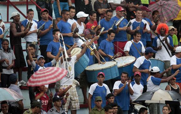 Conga avileña en Bayamo. Foto: Ismael Francisco/Cubadebate.