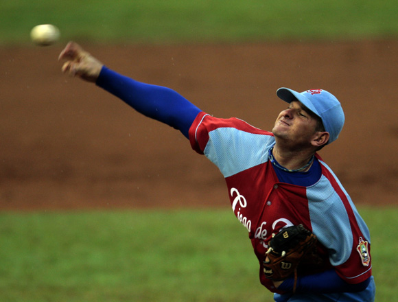 Carrero trabajó bien. Foto: Ismael Francisco/Cubadebate.